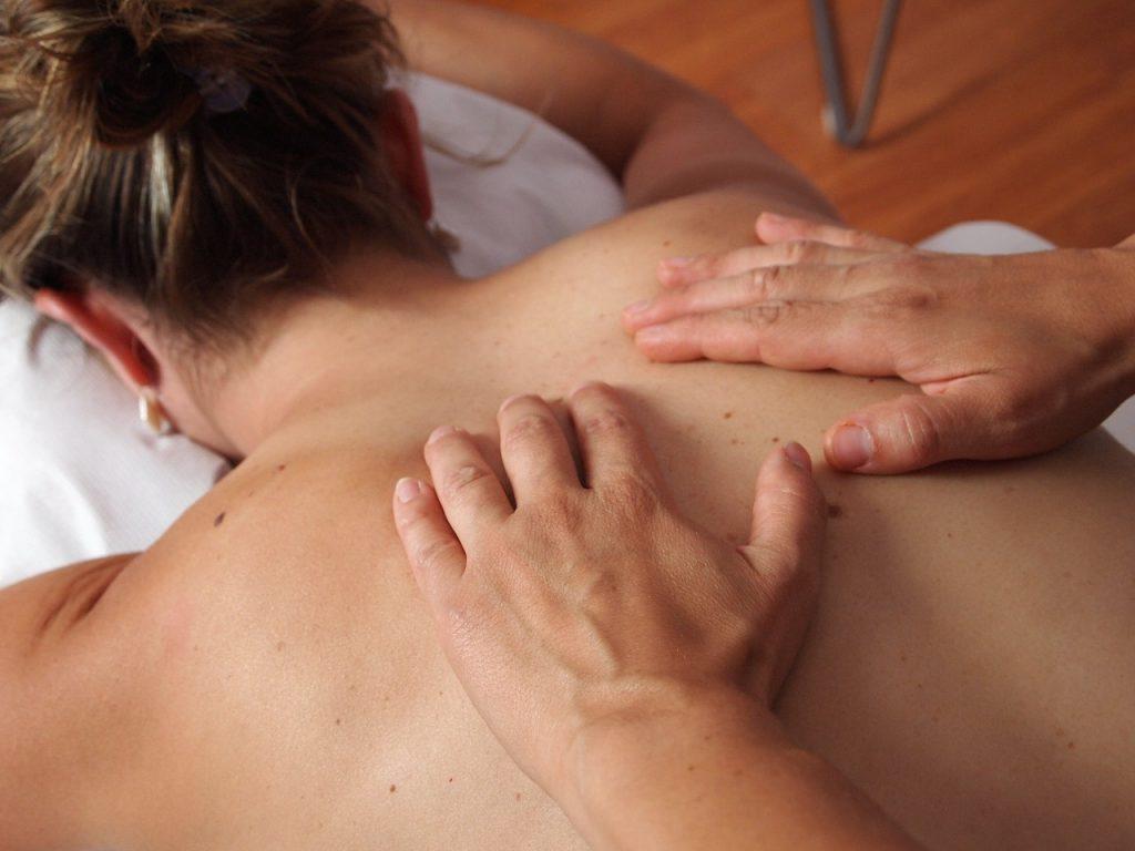 postnatale massage bij Corpes